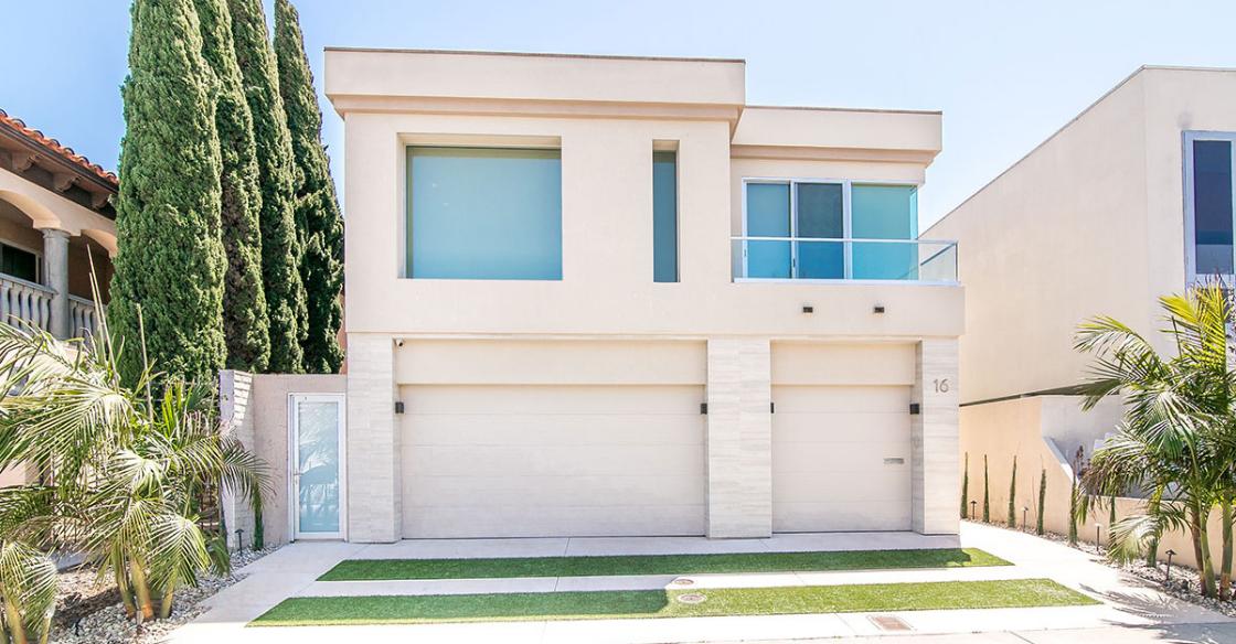 Exterior of a modern home in Coronado, CA