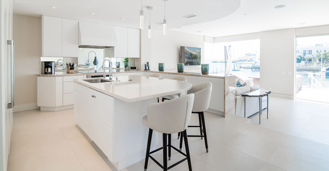 Modern white kitchen in San Diego, CA